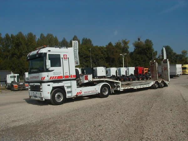 D pannage poids lourds garage kehr trucks for Garage utilitaire reims